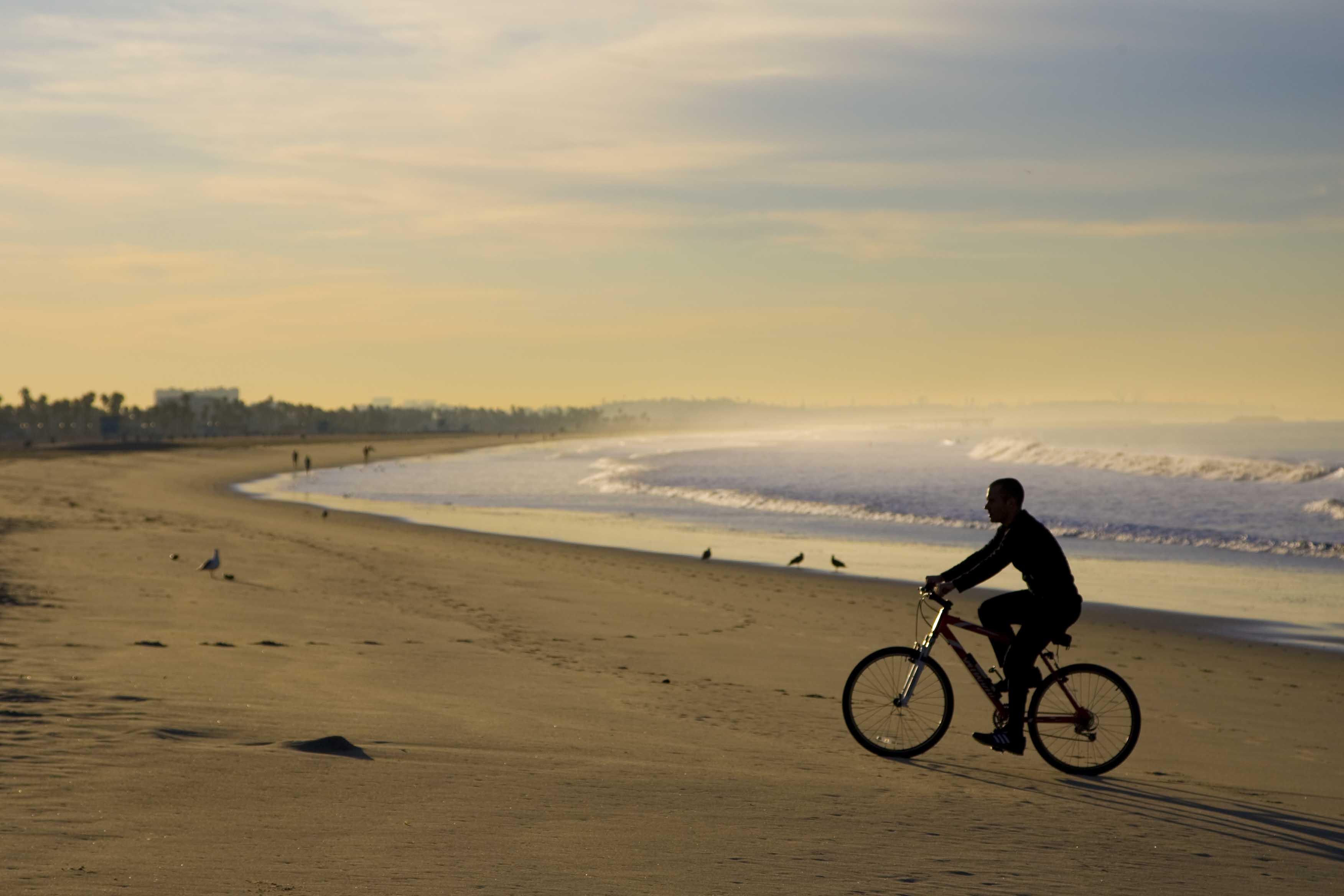 A bicicleta e o sol: cuidados a ter