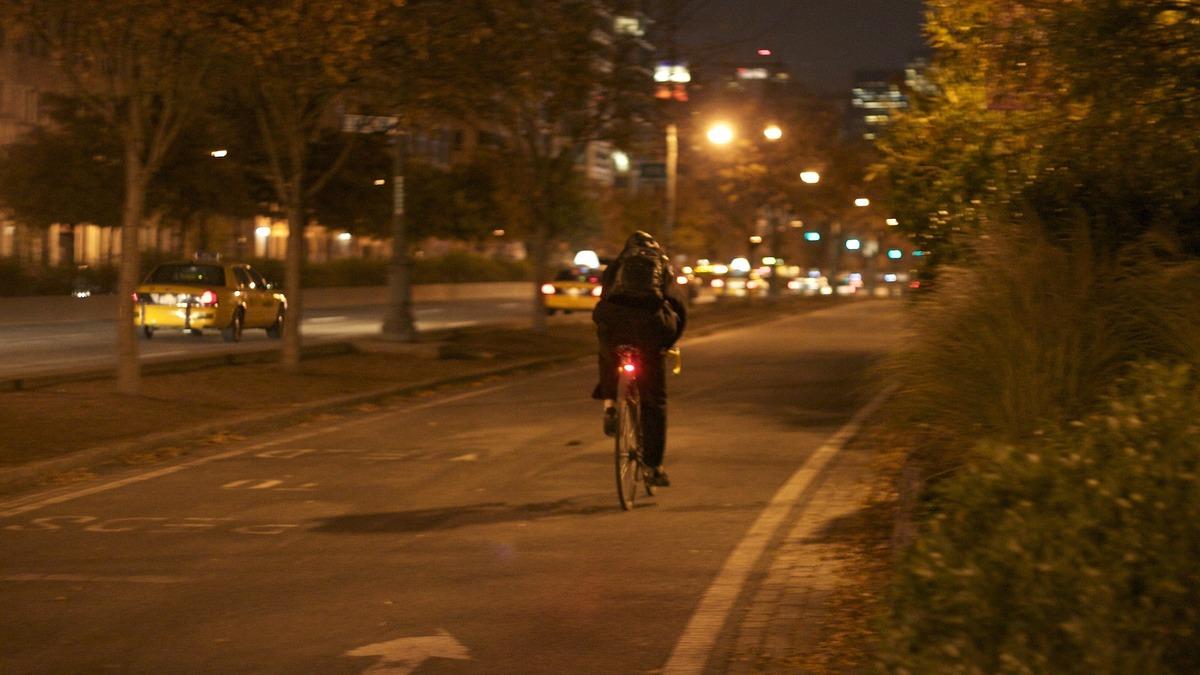 3 Cuidados a ter para andar de bicicleta no Outono