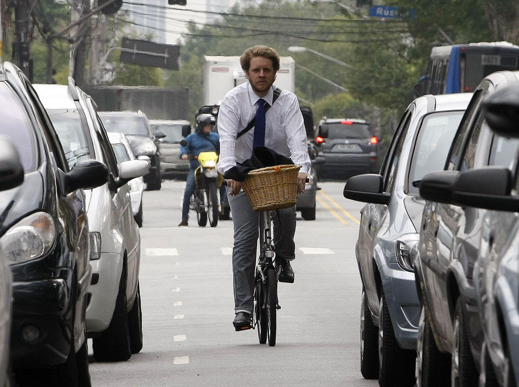 3 Regras para conduzir em segurança na bicicleta